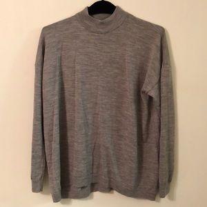 Uniqlo XL grey sweater